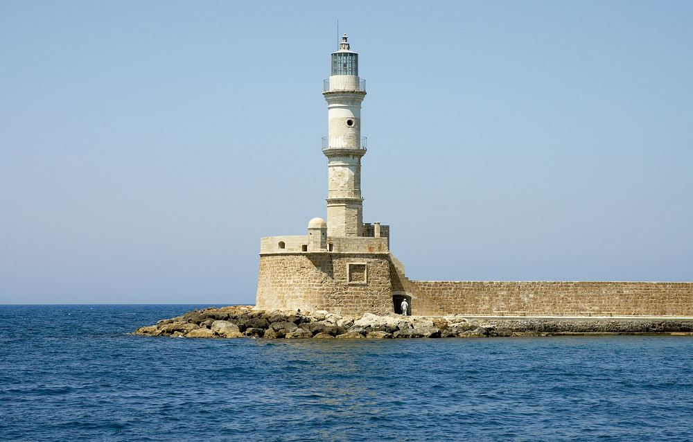 17 Chania lighthouse